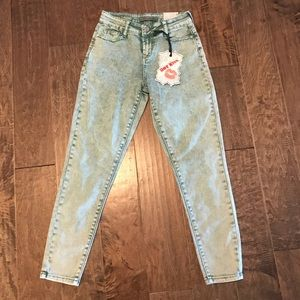 Hot Kiss High Rise Ankle Jegging Size 0
